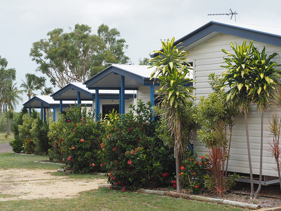 bowen-holiday-park-cabins-2